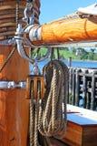 Seil und Seilrolle stockbilder