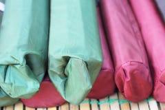 Seilbügel einige Farben für Verkauf Lizenzfreies Stockbild