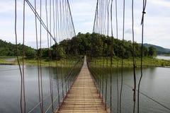 Seilbrücke am Nationalpark in Thailand. Stockfotografie