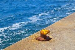 Seile auf einem Dock Lizenzfreies Stockfoto