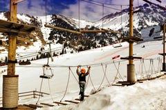 Seiltrainer in den Bergen lizenzfreie stockfotografie