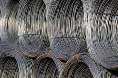Seilzug-Draht Rolls zusammen gehalten Stockfotos