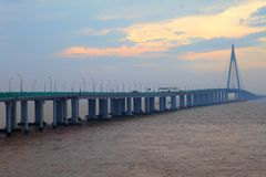 Seilzug-gebliebene Brücke Stockfoto