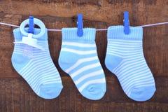 Seine ein Jungen-blaues Baby-Socken Lizenzfreie Stockbilder