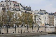 Seine en París fotografía de archivo
