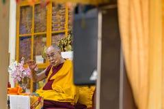 Seine Heiligkeit die 14 Dalai Lama Tenzin Gyatso gibt Unterricht in seinem Wohnsitz in Dharmshala, Indien stockfotos