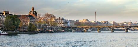 Seine River e cidade velha de Paris (França) Foto de Stock