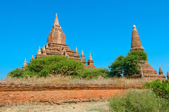 Seinnyet Ama Temple and Seinnyet Nyima Pagoda Royalty Free Stock Photos