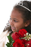 Seis años hermosos con las rosas que desgastan la tiara Foto de archivo libre de regalías