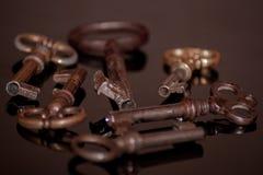 Seis chaves oxidadas velhas Fotografia de Stock Royalty Free