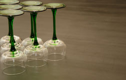 Seis copas de vino provenidas verdes clásicas Imagen de archivo