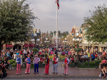 Seis faixas da parte em Main Street EUA na Disneylândia Imagens de Stock Royalty Free