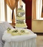 Seis pedazos del pastel de bodas Fotografía de archivo