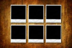 Seis polaroides vacías en fondo del grunge Fotos de archivo