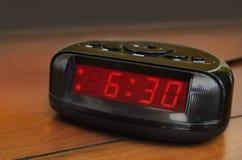 Seis relojes de alarma treinta Imagen de archivo libre de regalías