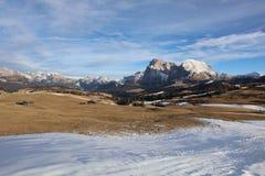 Seiser Alm con il gruppo di Langkofel Il Tirolo del sud Fotografia Stock Libera da Diritti