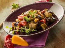 Seitan炖煮的食物用茄子 库存图片