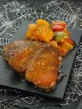 Seitan Steaks mit Gemüse Stockfotografie