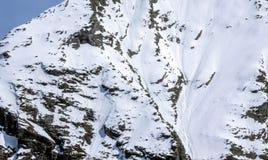 Seite der großen Höhe der Alpe Gebirgs Lizenzfreies Stockfoto
