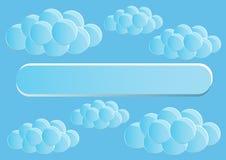 Seite 5 von 5 Modell mit der Endenzusammenfassung des blauen Himmels runden Wolken Stockbilder