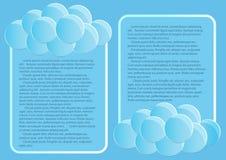 Seite 4 von 5 Modell mit der Endenzusammenfassung des blauen Himmels runden Wolken Stockbild