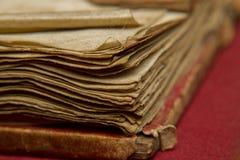 Seiten des abgenutzten Buches lizenzfreie stockbilder