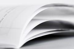 Seiten eines Buches Stockfotos