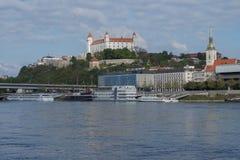 Seitenansicht Bratislava-Castle Lizenzfreies Stockfoto