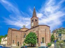 Seitenansicht der Kirche von San Marco herein über Fatebenefratelli Mailand, Italien Eingeweiht nach St Mark Stockfotos