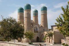 Seitenansicht von Chor-Minderjährigem - eine historische Moschee in Bukhara stockfotografie