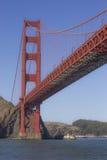 Seitenansicht von Golden gate bridge Lizenzfreie Stockfotografie