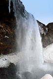 Seitenansicht von Seljalandsfoss-Wasserfall Island Stockfoto