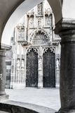 Seiteneingang von Kosice-Kathedrale lizenzfreies stockbild