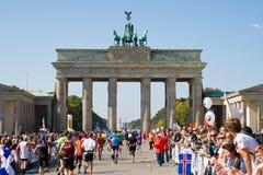 Seitentriebe am Berlin-Marathon Stockbilder