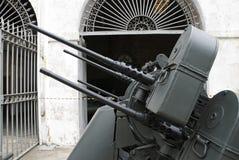 Seitlicher Schuß eines FlugabwehrMaschinengewehrs Lizenzfreies Stockfoto
