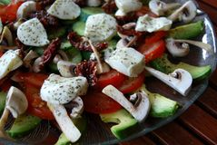 Seitlicher Teller des französischen Salats Lizenzfreie Stockfotografie