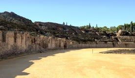 Seitliches ofItalica Kolosseum stockbild