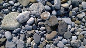 Seixos na costa de mar Imagem de Stock