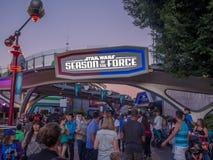 Seizoenen van de Kracht, Disneyland bij nacht stock afbeelding