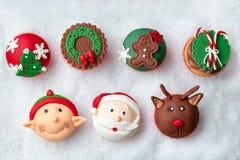 Seizoengebonden feestelijke Kerstmis cupcakes Stock Afbeelding