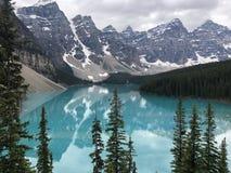Seja deixado perplexo pela perfeição do lago moraine fotografia de stock