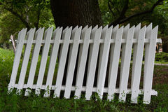 Sekcja biały drewniany ogrodzenie Obrazy Stock