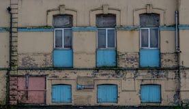 Sekcja nieociosana ściana na zaniechanym budynku obrazy royalty free