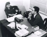 Sekretär und Chef lizenzfreies stockfoto
