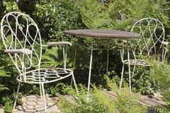 sekretu ogrodowy stół Zdjęcie Royalty Free