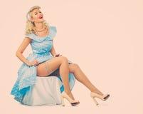 Seksowna blondyn szpilka w górę kobiety Zdjęcia Royalty Free