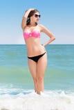 Seksowna dama jest ubranym okulary przeciwsłonecznych fotografia royalty free