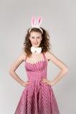 Seksowna dziewczyna jest ubranym Easter królika kostium Zdjęcie Royalty Free