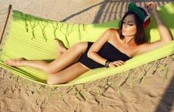 Seksowna dziewczyna na plaży zdjęcia stock