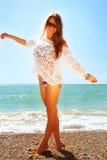 Seksowna dziewczyna na plaży. Zdjęcia Royalty Free